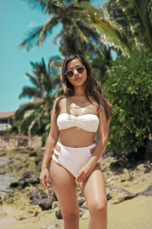 sphoto, sphotohi, sphotohawaii, hawaii, oahu, beach, sun, bikini, model, beach photography, model photography, fashion, fashion photography, shaz, shazv, shazvee, photography, canon, t1i, 35mm lens, digital photography, sand, paradise, ocean, sky